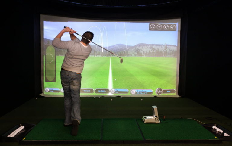 Best Projectors for Golf Simulators