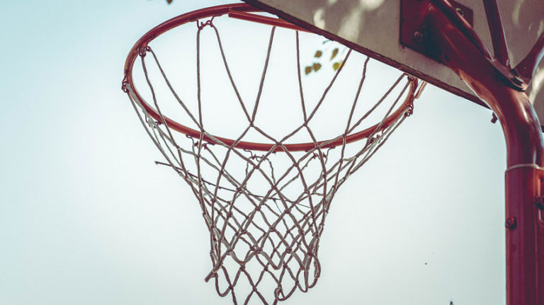 Best Portable Basketball Hoop For Dunking